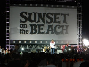 The Hawaii Five-O Season 3 Premier on Waikiki Beach with thousands of people including the stars of the show!