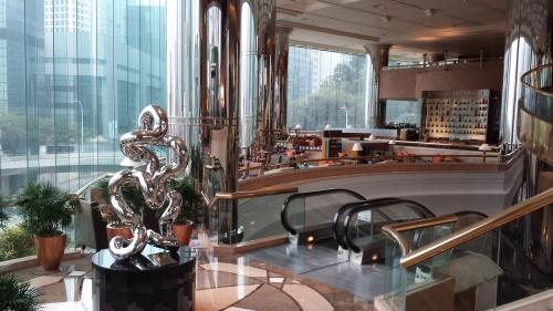 JW Marriott Hong Kong Lobby Area.